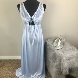 Miss Elaine satin blue and white lace night gown M